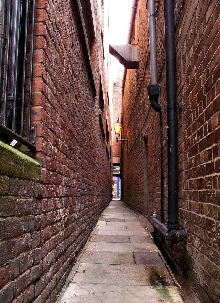 """Long narrow alleys are also a form of feng shui's """"poison arrow""""."""