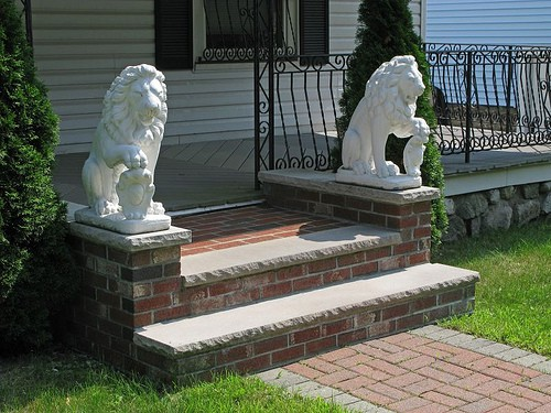 Stone lions are commonly used as a feng shui remedy.
