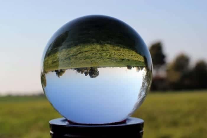 crystal-ball-photo-min (Demo)