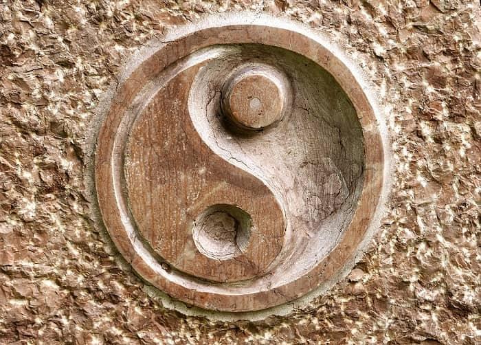 Feng Shui yin yang wooden carving-min (Demo)